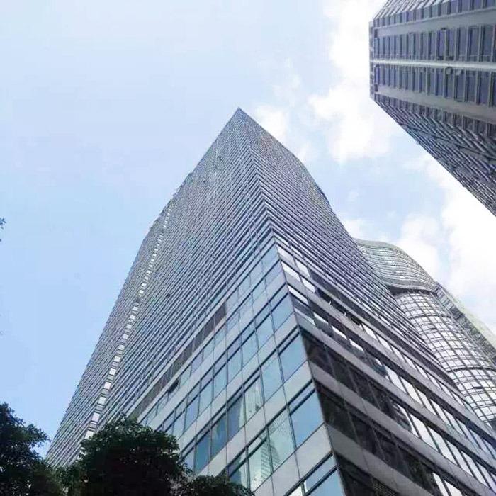 傲天鸟广州海航威斯汀酒店玻璃外墙清洗案例