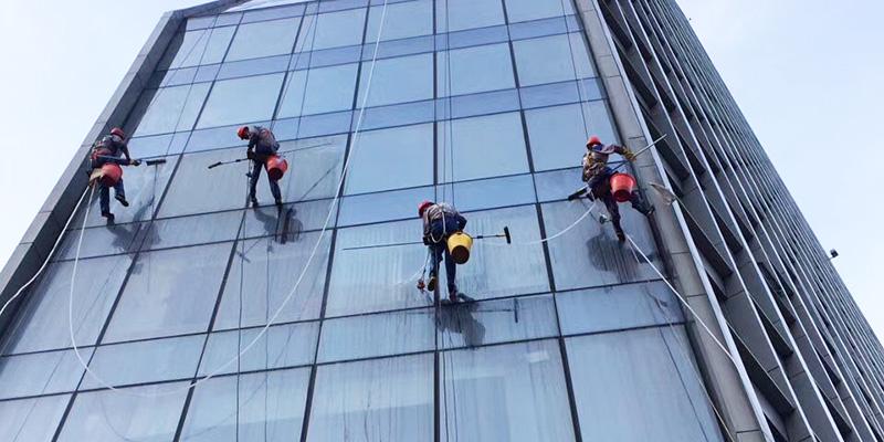 高空外墙清洗服务行业需要的资质认证以及施工条件