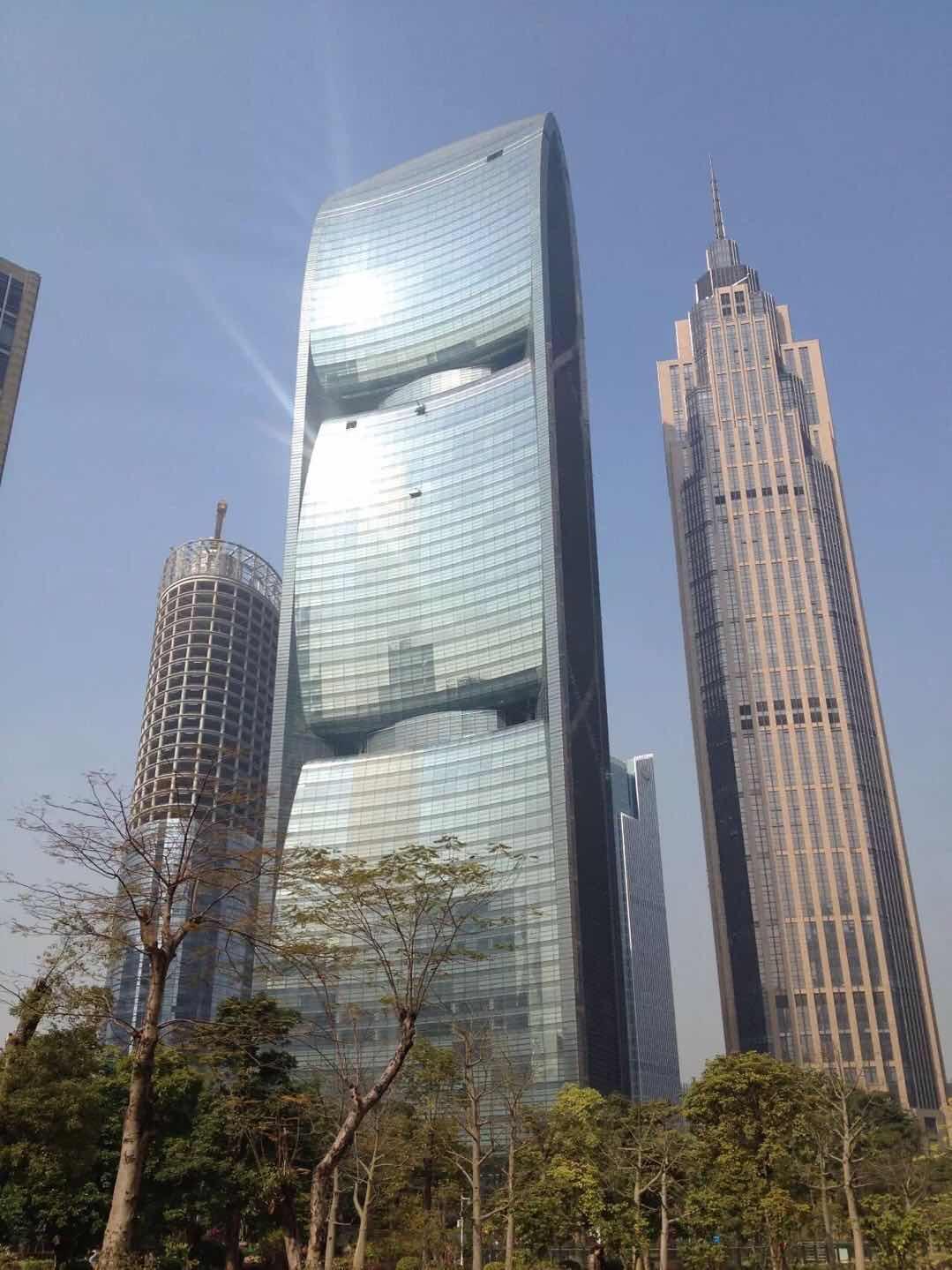 广州珠江城大厦外墙玻璃清洗