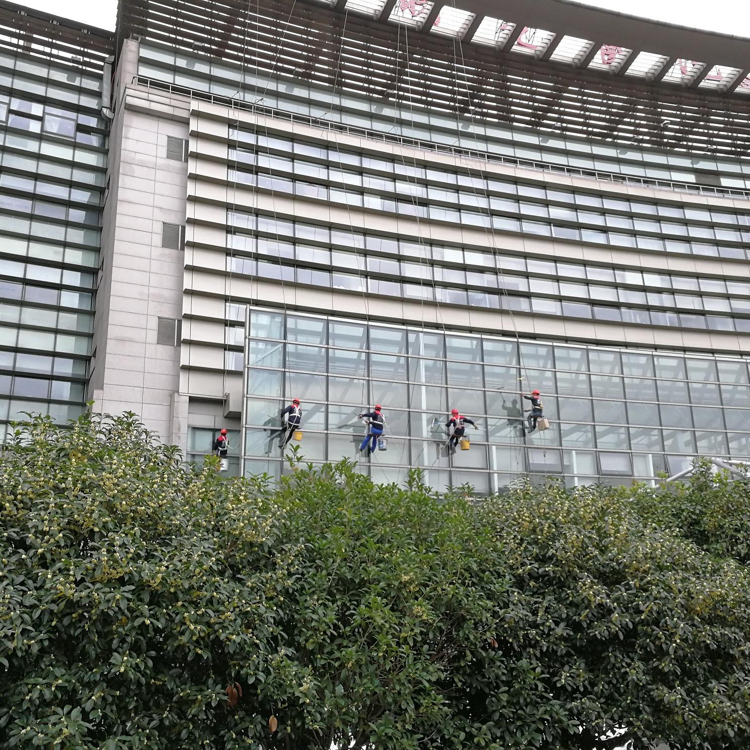 上海中医药大学附属曙光医院外墙清洗
